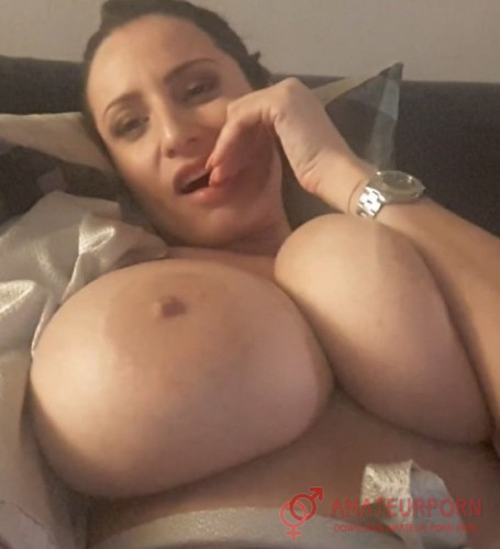 Sensual Jane Wife Masturbate On Webcam