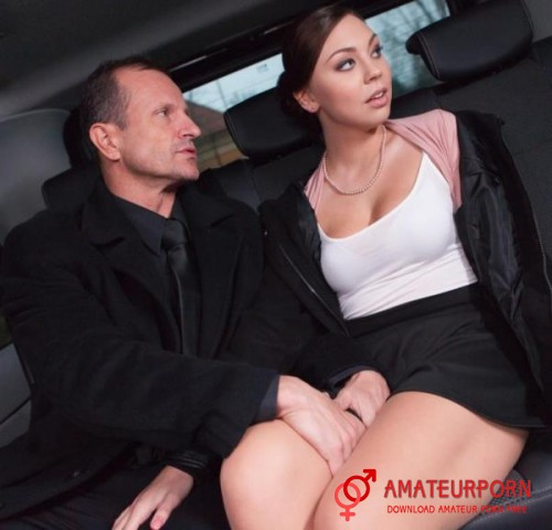 Morgan Rodriguez Sex On Back Seats In The Taxi