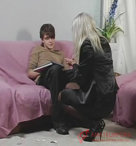 Amateur Russian StepMom Teach StepSons How Need Fuck