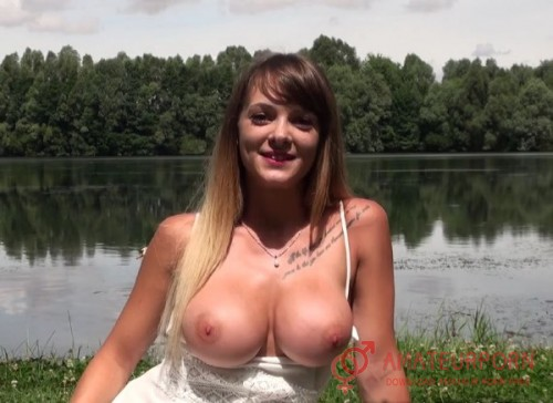 Tiffany Public Sex On Tha Lake In France
