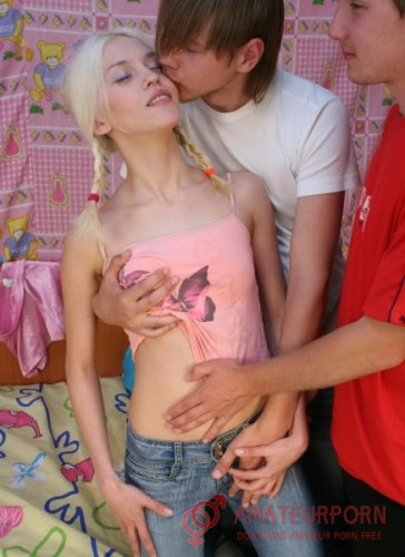 Sheila Blonde Russian Teen Try Threesome Sex
