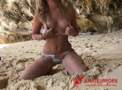 Adventurescouple Public Sex On The Beach