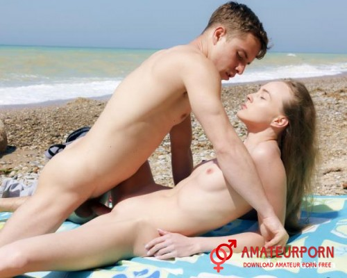 Alex Diaz Young Couple Sex On The Beach