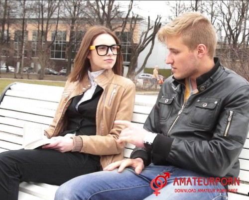 Ruslana Sex On Frist Date With Young Girl In Glasses