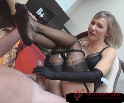 Angel Desert Sex With Hot Girl In Black Stockings And Gloves
