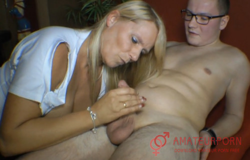 Sweet Susi Milf Suck Dick For Nerd Virgin Boy