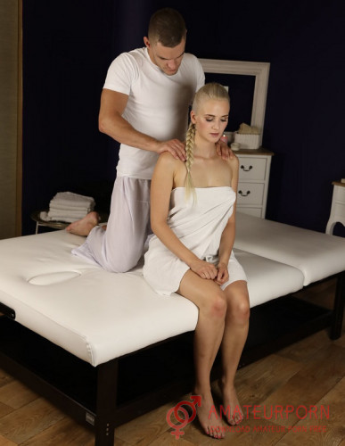 Katy Pearl Virgin Girl On Erotic Massage