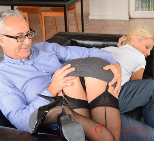 Vanda Lust Sexy Secretary In Black Stocking