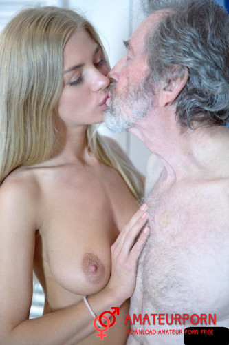 Lolly Gartner Sex With Old Man In Showher